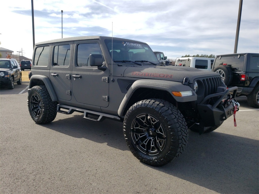 2018 Custom Lifted Jeep Wrangler Unlimited ROAD ARMOR Sahara JL 4WD