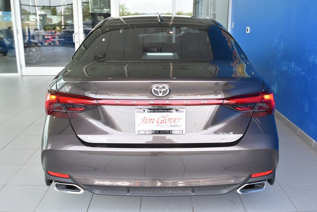 Pre-Owned 2019 Toyota Avalon XSE